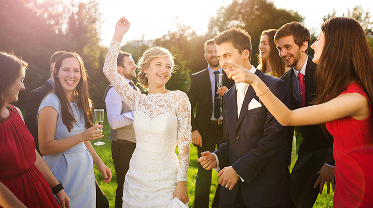 結婚式 友人 ネクタイ 色